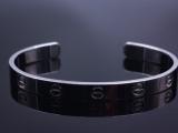 Cartier_18k_Love_Bracelet_edited
