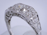 Vintage_Diamond_Platinum_Ring